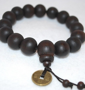 Luck Coin Wood Mala 12mm